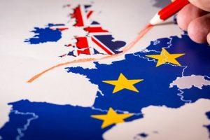 ¿Qué países han restringido los viajes hacia y desde el Reino Unido?